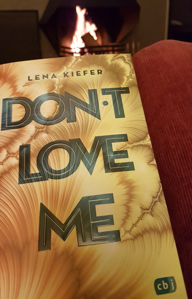 """Don't LOVE me"" von Lena Kiefer"